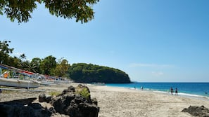 Private beach nearby, fishing