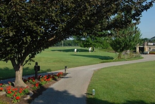 Property Grounds, Guest Quarters at The Bridges Golf Club