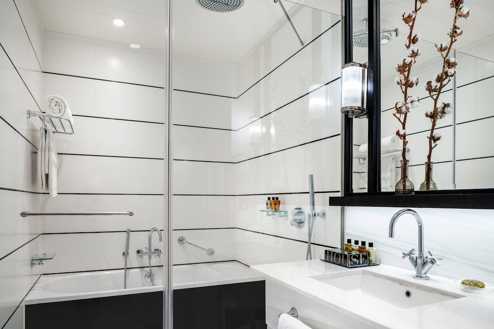 Bathroom, Cotton House Hotel, Autograph Collection