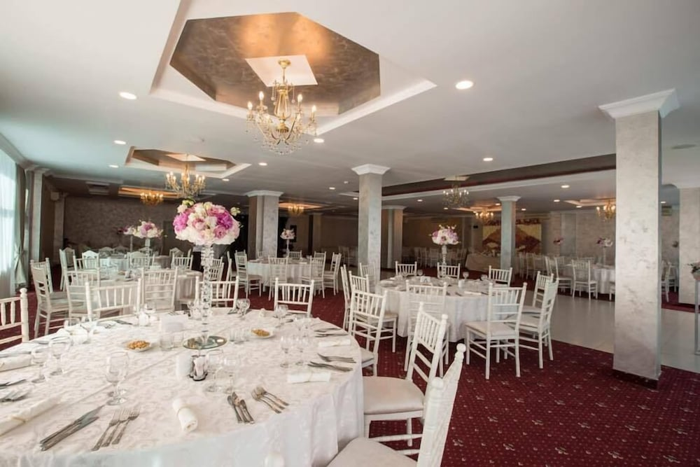 Banquet Hall, Hotel Florida