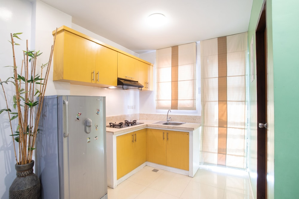 Private Kitchen, Elyseah Condotel