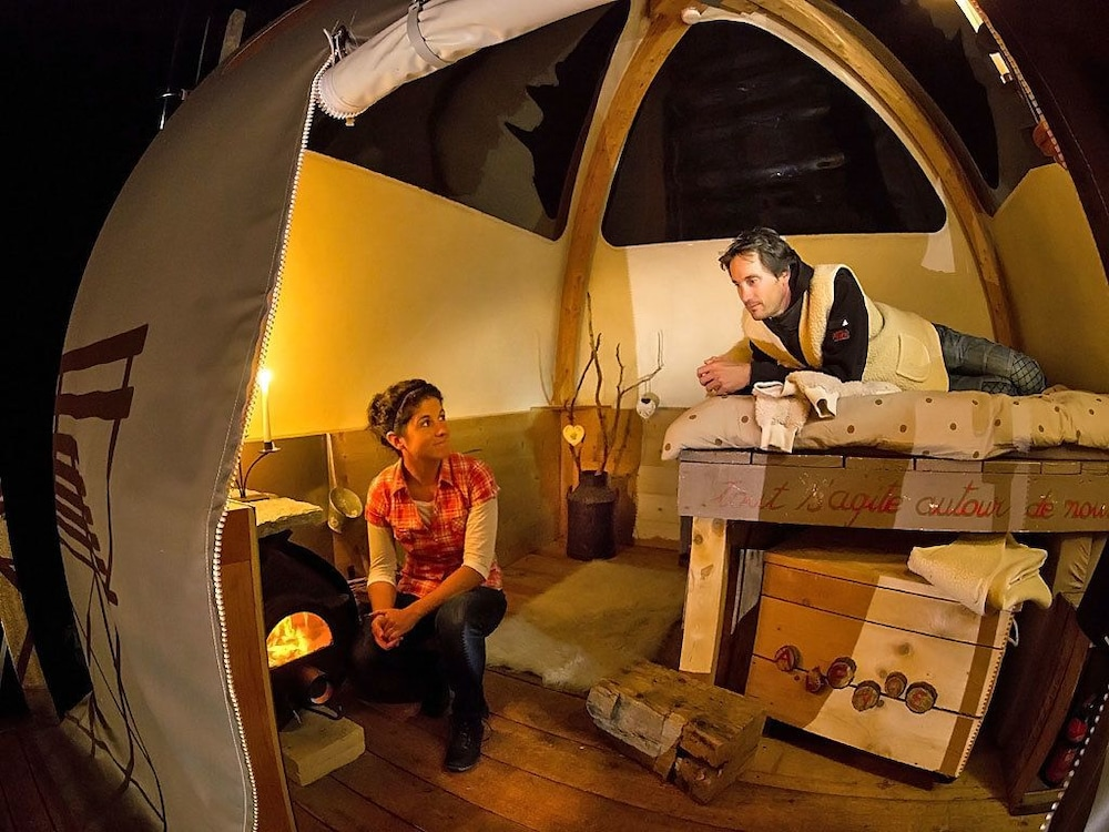 Living Area, Eco Bivouac Village D'Igloo - Campground