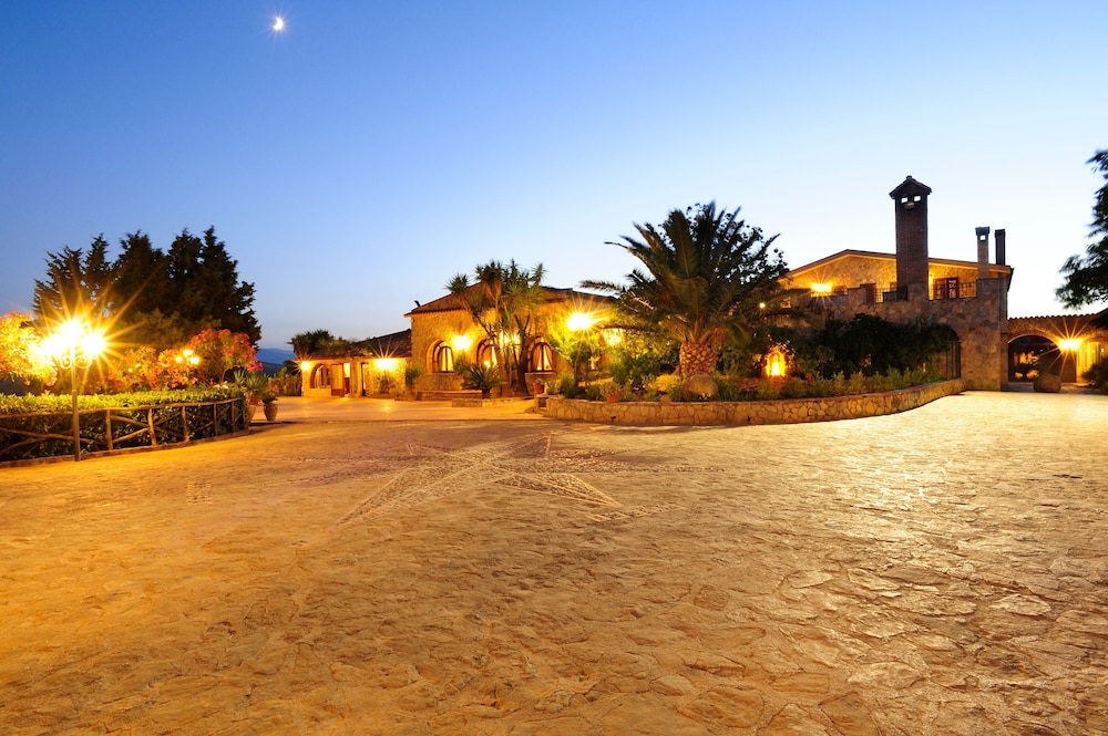 Front of Property - Evening/Night, Agriturismo Villa Dafne