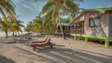 Palm Cove Cabins - Hopkins Hotels