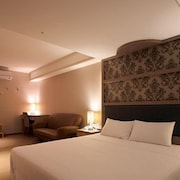 リハオ ホテル (中山莉豪商務旅店)