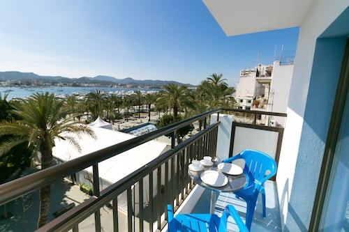 The Blue Apartments by Ibiza Feeling - Adult Only