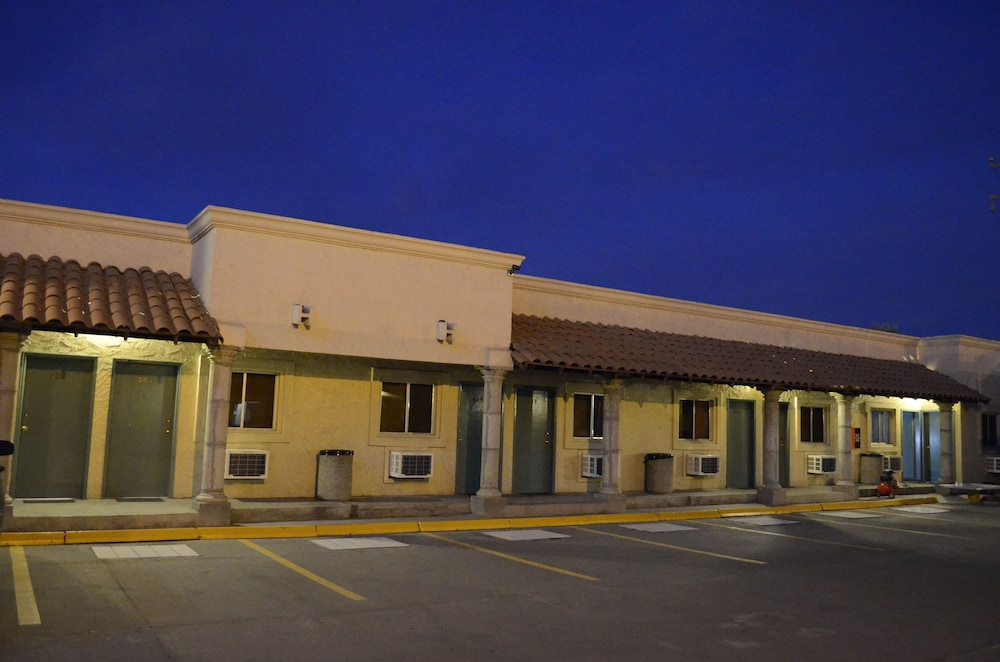 Front of Property - Evening/Night, Azteca de Oro Mexicali