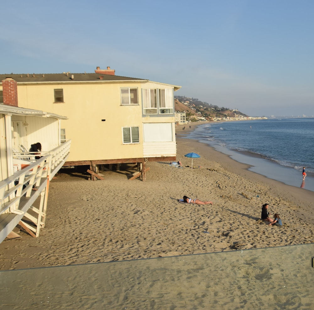 Beach, Malibu Beach Paradise Apartments
