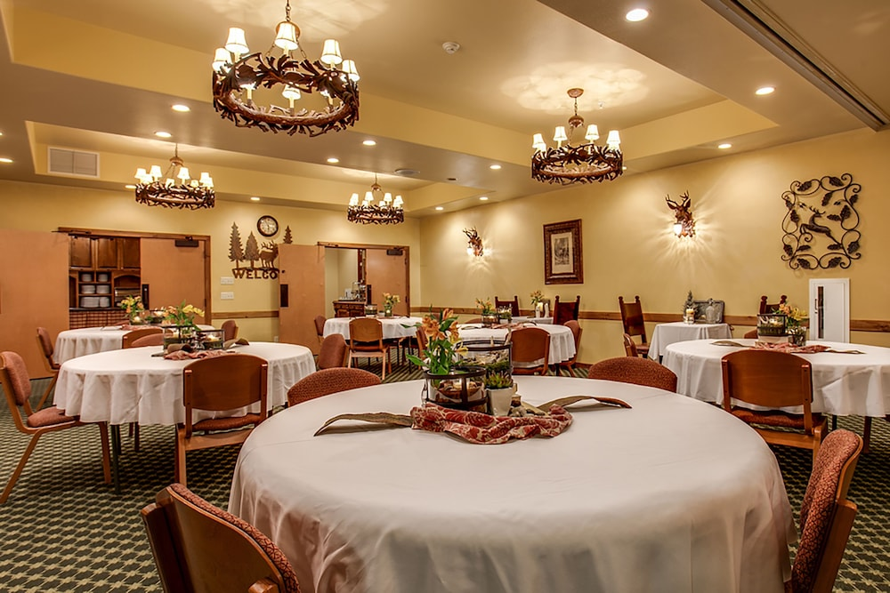 Banquet Hall, Bavarian Lodge