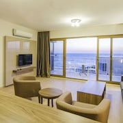 Ladies Beach Residence Family Suites