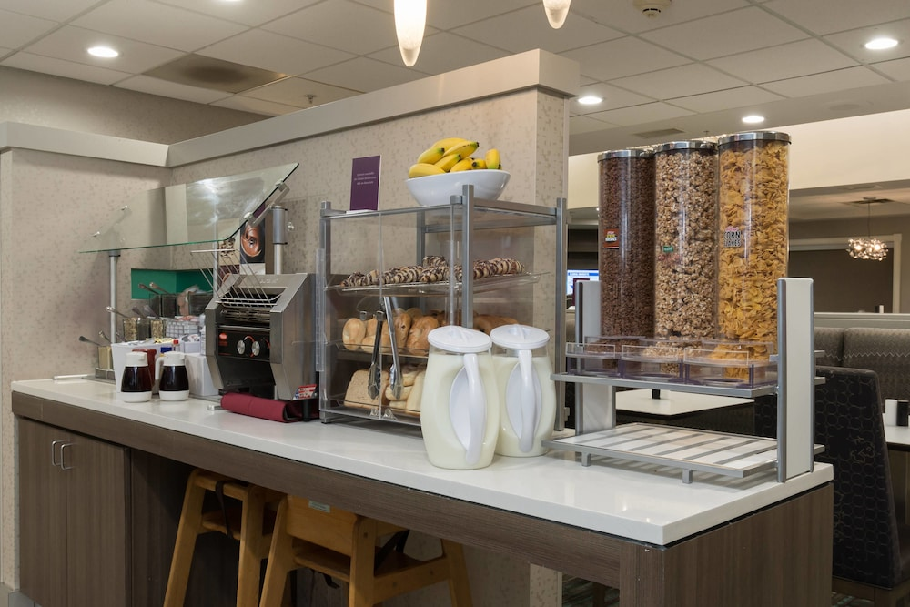 Breakfast buffet, Residence Inn Raleigh-Durham Airport/Brier Creek
