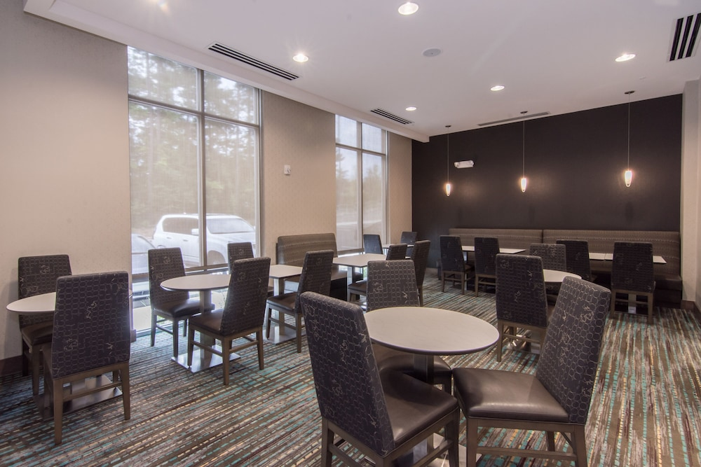 Breakfast Area, Residence Inn Raleigh-Durham Airport/Brier Creek