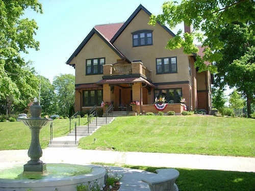 Great Place to stay Westphal Mansion Inn Bed & Breakfast near Hartford