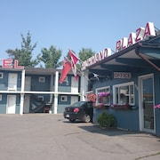 Richmond Plaza Motel
