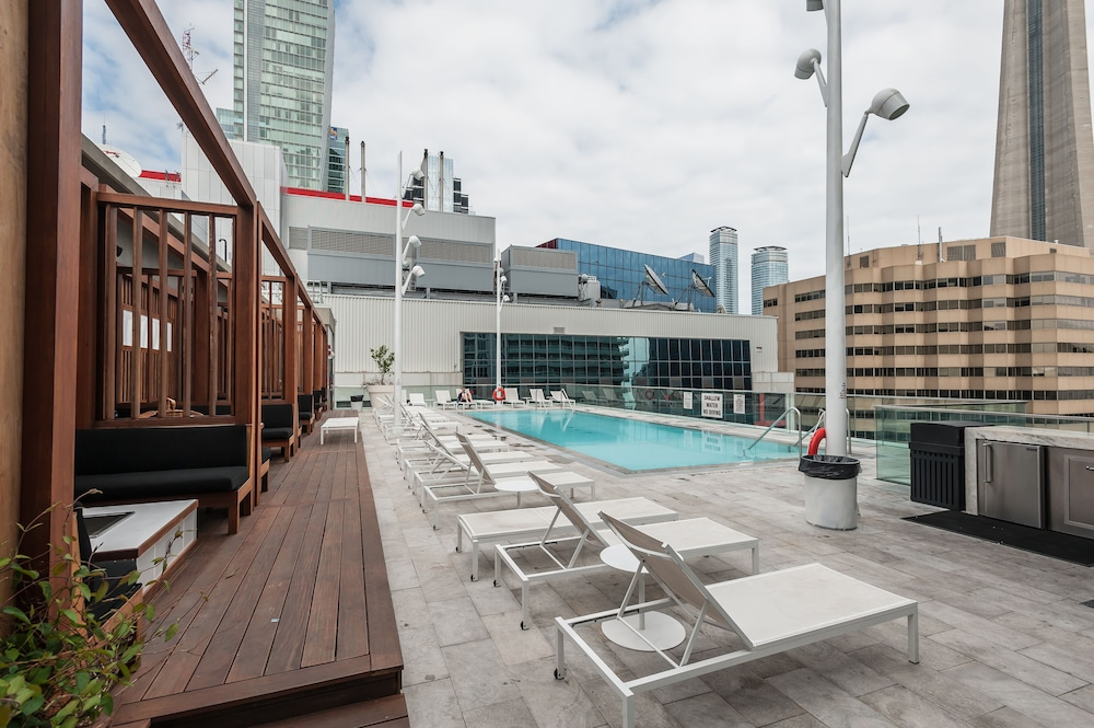 Outdoor Pool, Life Suites Loft - CN Tower