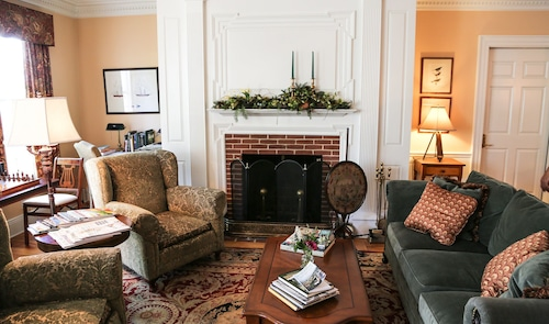 Great Place to stay Compass Rose Inn near Newburyport