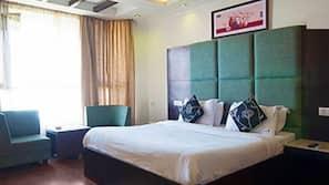 Minibar, rollaway beds