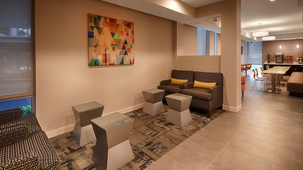 Lobby Sitting Area, Best Western Plus Downtown Tulsa/Route 66