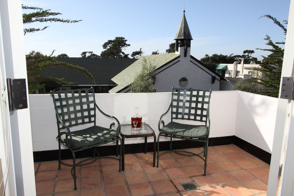 book cypress inn monterey hotel deals