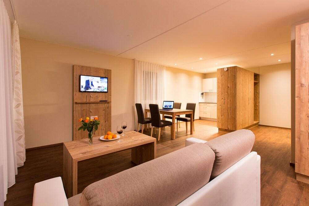 wohntel wohnen wie im hotel deals reviews sevelen che wotif. Black Bedroom Furniture Sets. Home Design Ideas
