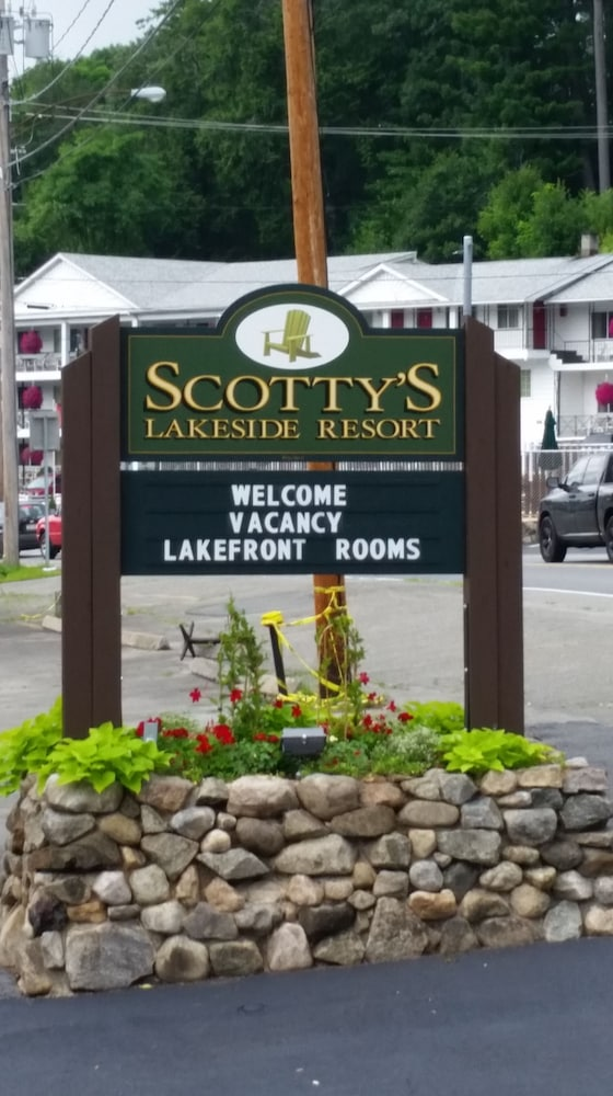 Front of Property, Scotty's Lakeside Resort