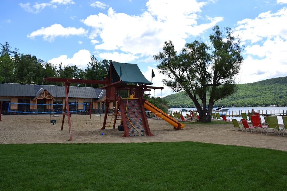 Children's Play Area - Outdoor, Scotty's Lakeside Resort