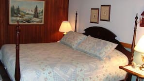 Individually decorated, iron/ironing board, free WiFi, bed sheets