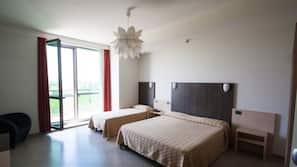 1 slaapkamer, een minibar, een kluis op de kamer, een bureau