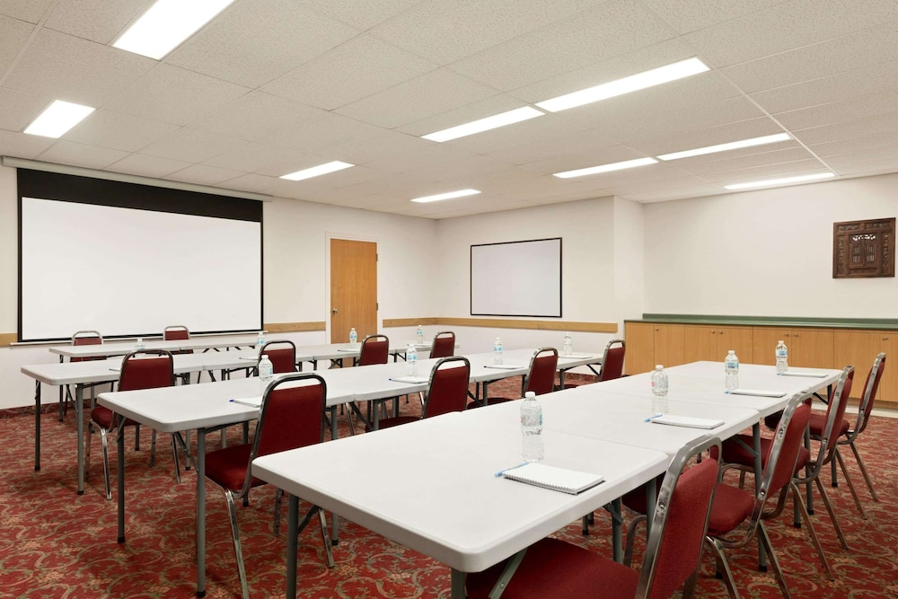 Meeting Facility, Travelodge by Wyndham Port Elgin