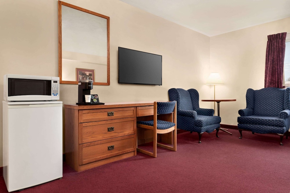 Room, Travelodge by Wyndham Port Elgin