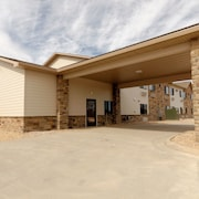 Boulders Inn & Suites by Cobblestone Hotels- Denison Oakridge