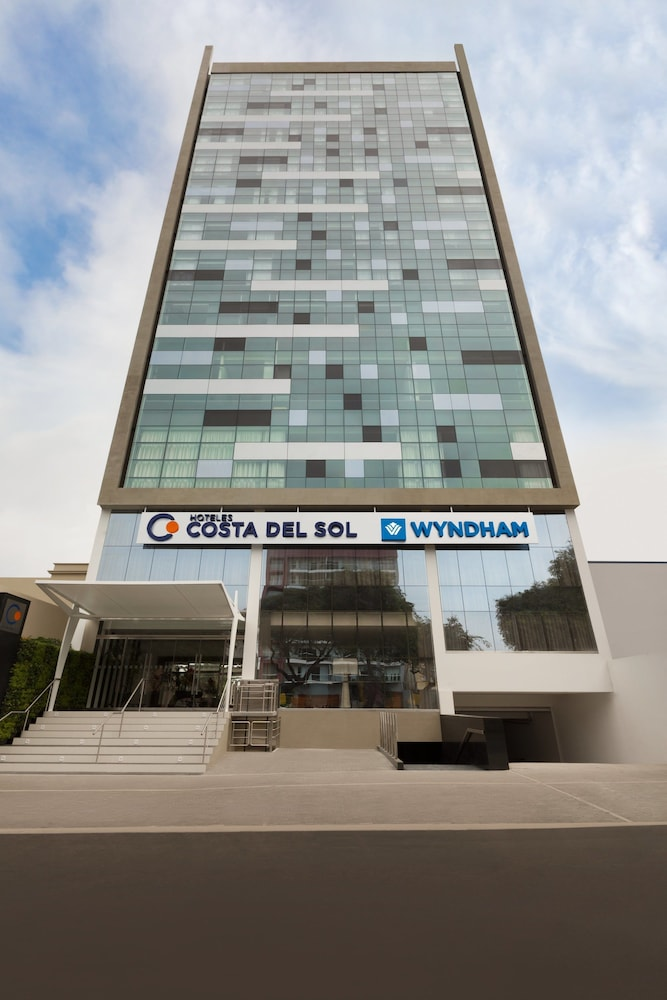 Front of Property, Wyndham Costa Del Sol Lima City