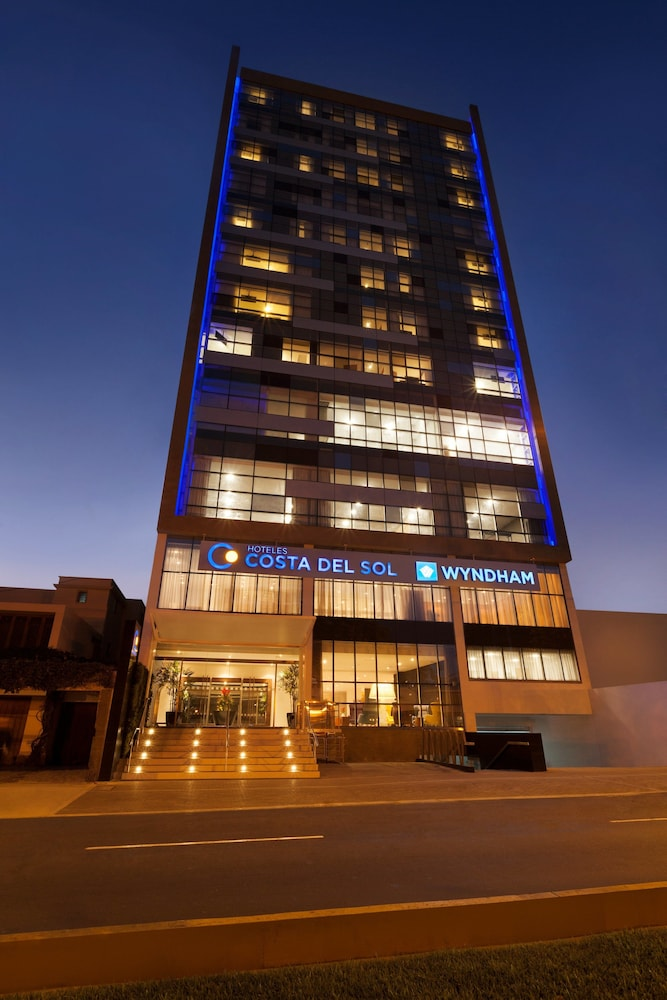 Front of Property - Evening/Night, Wyndham Costa Del Sol Lima City