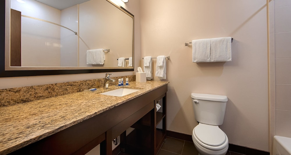 Bathroom, Best Western Plus Casper Inn & Suites
