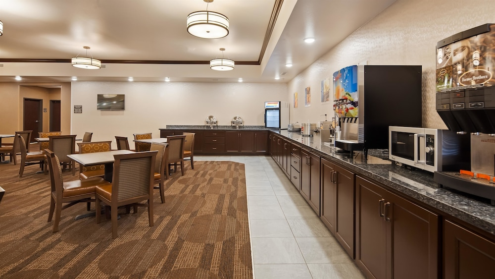 Breakfast Area, Best Western Plus Casper Inn & Suites