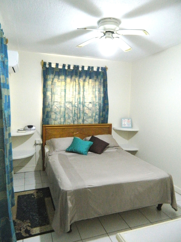 Room, Skyblue Beach Apartments