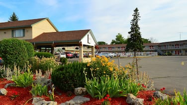 West Lodge Inn & Suites Niagara Falls