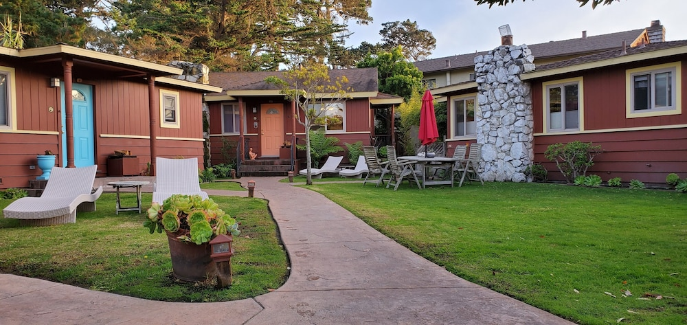 Andril Fireplace Cottages In Monterey Hotel Rates Reviews On