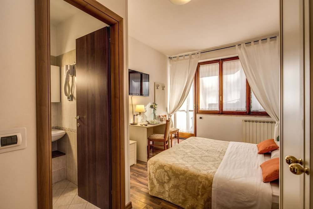 Book trastevere rooms rome hotel deals for Hotel trastevere rome