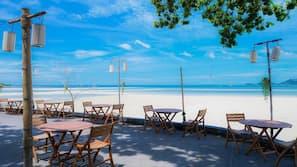 Spiaggia privata nelle vicinanze, massaggi sulla spiaggia