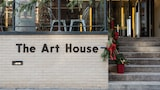 Dharma Home Suites at the Arts District - Jersey City Hotels