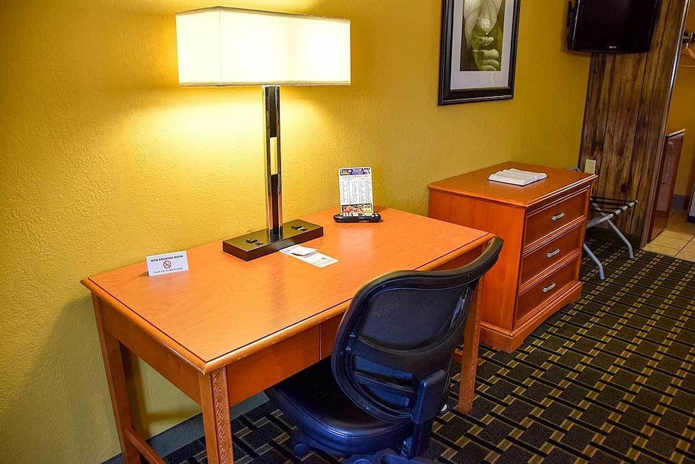 In-Room Business Center, Tennessee Mountain Lodge