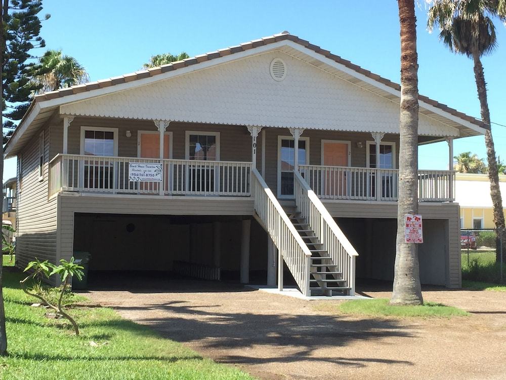 Book capricorn beach house vacation rental south padre for Cabin rentals south padre island tx