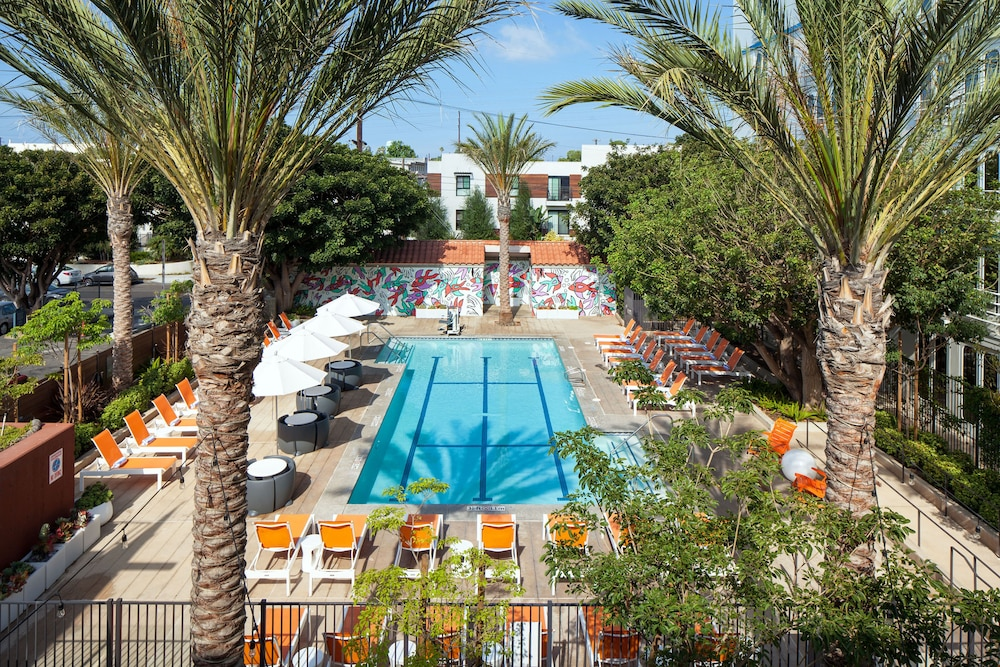 Outdoor Pool, Aloft El Segundo - Los Angeles Airport