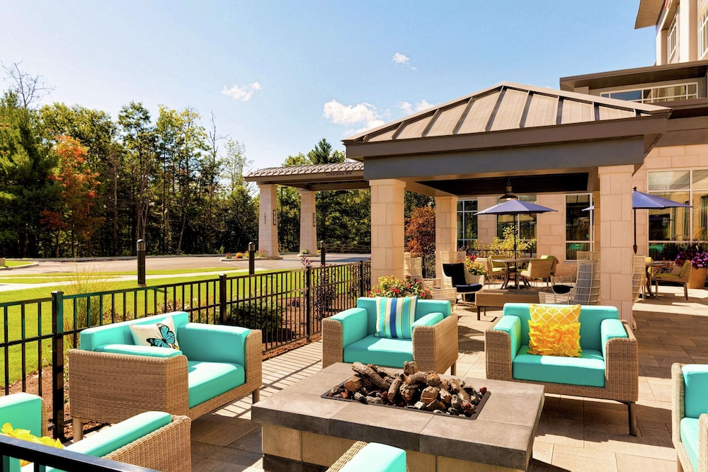 Terrace/Patio, Hilton Garden Inn Lenox Pittsfield