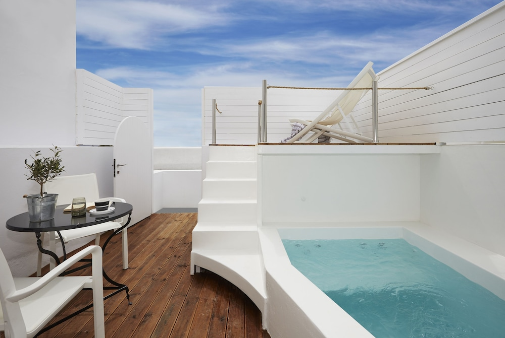 Private Pool, Oia Collection Boutique Suites