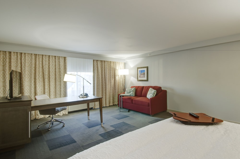 Room, Hampton Inn & Suites Springfield / Downtown