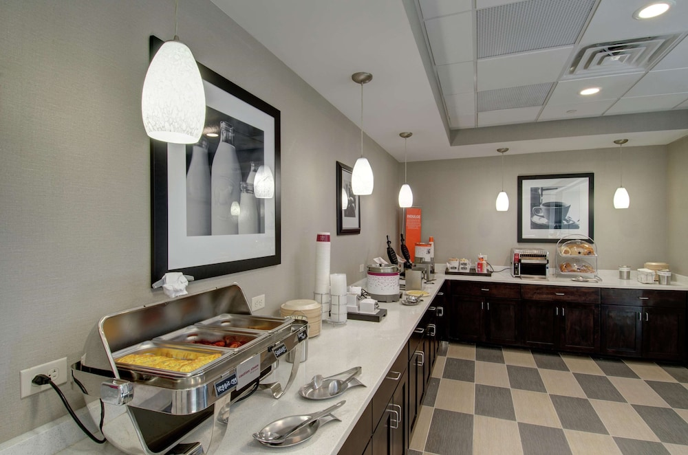 Restaurant, Hampton Inn & Suites Springfield / Downtown