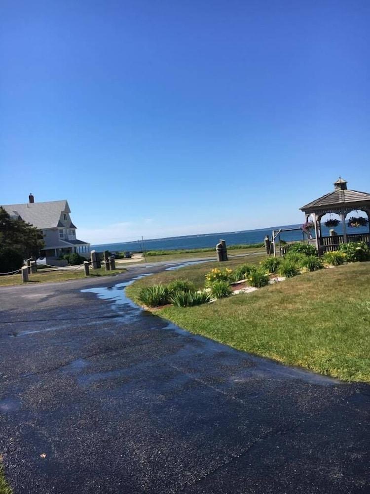 Book Mariner 39 S Point Resort Cape Cod Hotel Deals