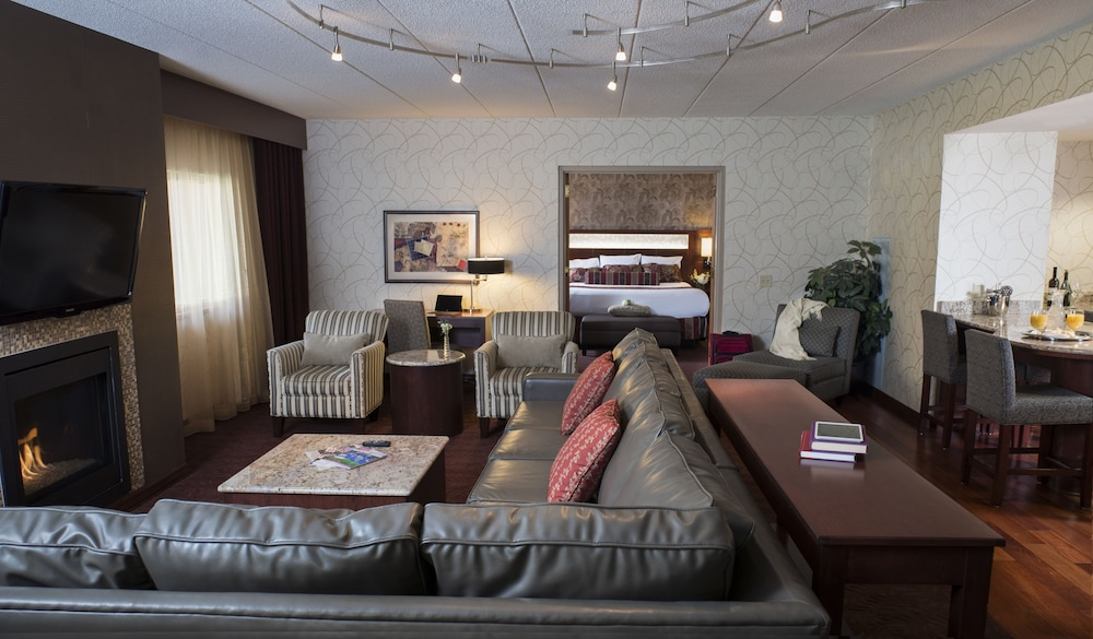 Ho-Chunk Casino Hotel - Wisconsin Dells in Baraboo | Cheap Hotel